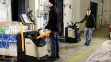 Crown: wózek systemowy VNA czy paleciak elektryczny?