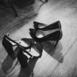 Sandały na koturnie – hit nadchodzącego lata